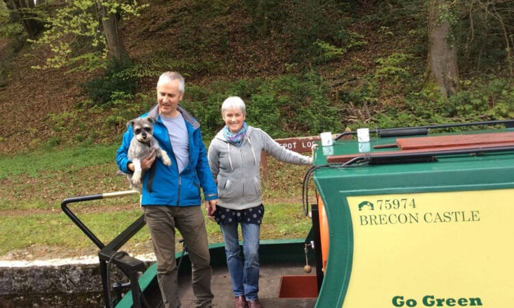 Housmartins star Stan Cullimore creates happy family memories aboard a narrowboat.