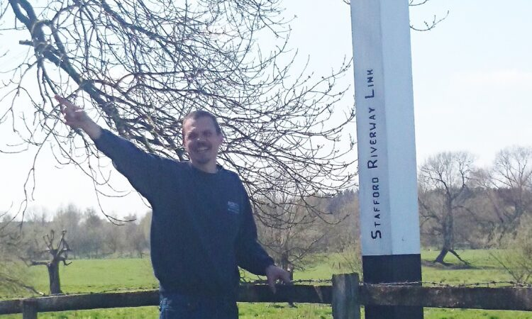 RCR's Kerry Horton by the fingerpost.JPG